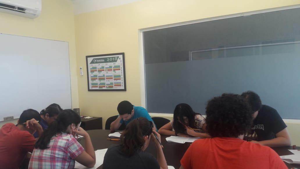 Alumnos de JCSakura en ensayo general. Sucursal Tec.