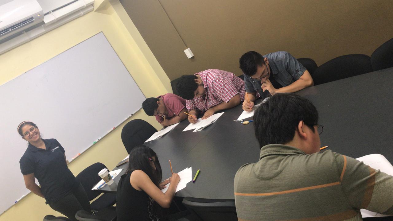Alumnos de JCSakura en ensayo general. Sucursal Universidad.